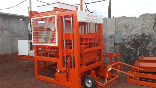Concrete-Block-Machine-With-Reasonable-Price.jpg