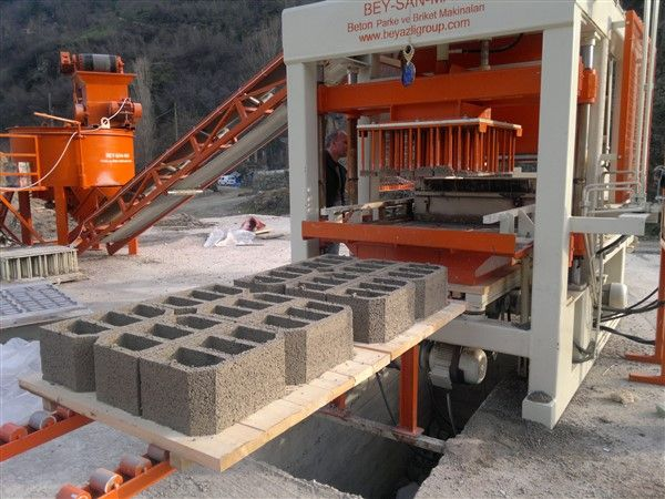 Concrete_Block_Machine_In_Ethiopia.jpg