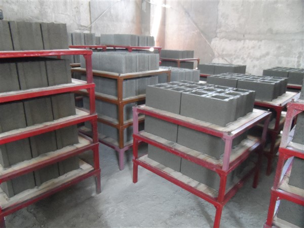 Metal_construction_pallets.jpg
