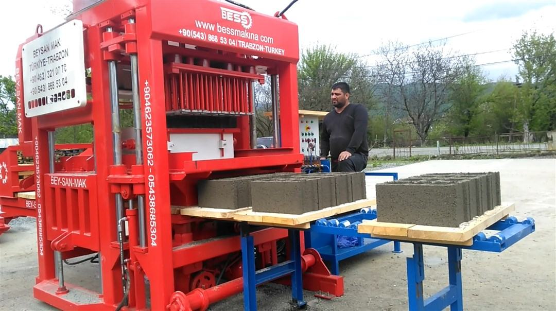 PRS_400_concrete_block_making_machine.jpg