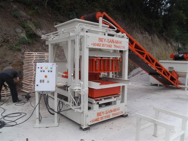 cement brick making machine side view