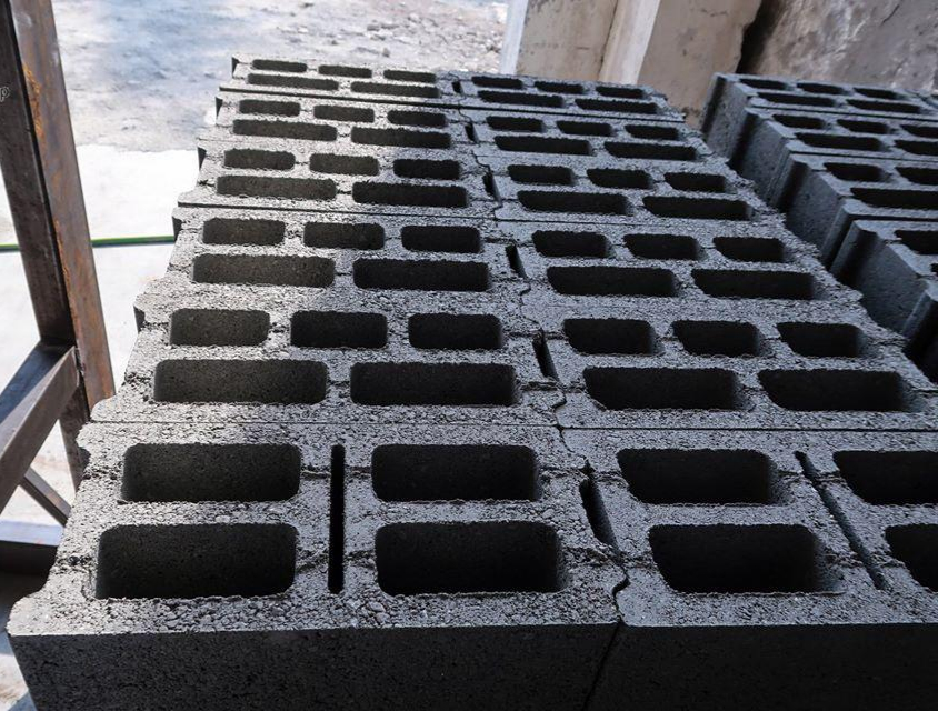 hollow_blocks_used_in_construction_industry.jpeg