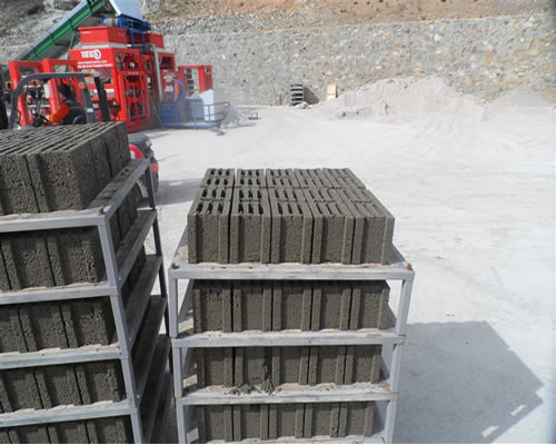 hollow_concrete_blocks.jpg