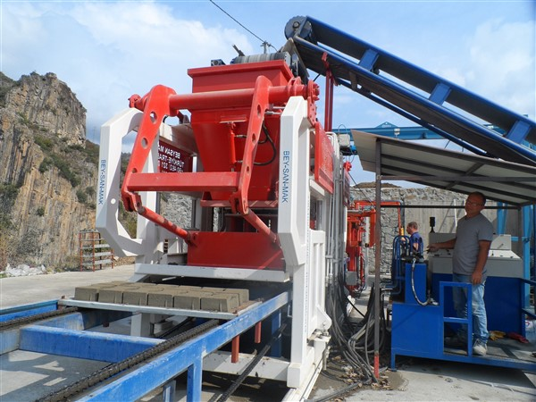paving block machine operating platform